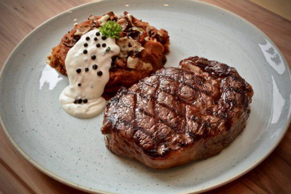 Steak mit Kürbispüree